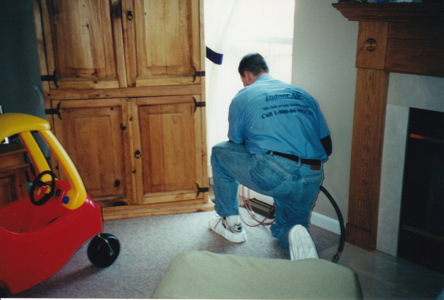 Cleaning Floor Air Vent Chicagoland Air Duct Cleaning